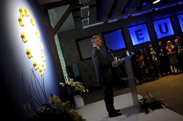 Hashim Thaçi reagoi me nërvozë ndaj lajmit se nuk do të kishte liberalizim të vizave për kosovarë.