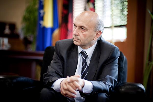 Isa Mustafa premtoi ta luftojë korrupsionin për është përzier vet në një skandal sivjet.