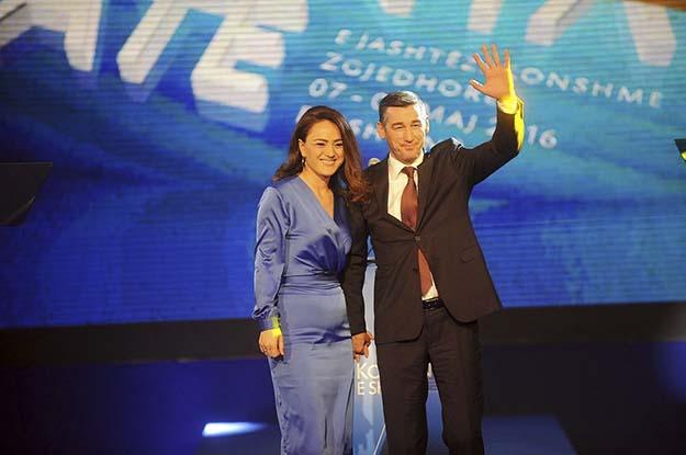 Kadri Veseli u zgjodh si lideri i ri i PDK pa kundërshtarë më herët gjatë muajit, duke e zëvendësuar Hashim Thaçin, që e ka udhëhequr partinë prej themelimit në 1999.