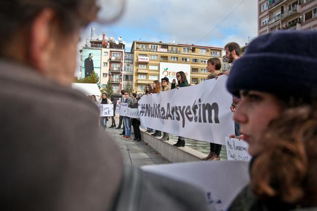 majlinda-hoxha-protesta-kundraj-dhunes-nuk-ka-arsyetim-17-10-2016-3