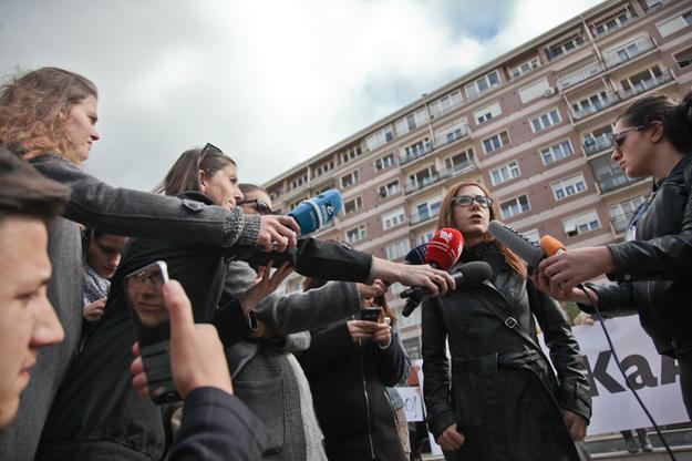 majlinda-hoxha-protesta-kundraj-dhunes-nuk-ka-arsyetim-17-10-2016-4