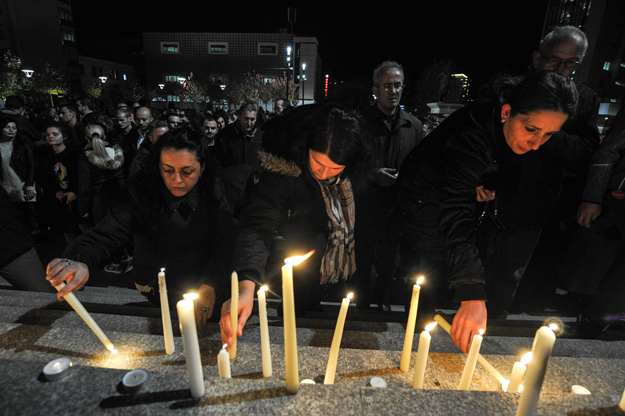 A large vigil was held in Prishtina on Sunday as others were held throughout Kosovo and in the diaspora. Photo: K2.0.