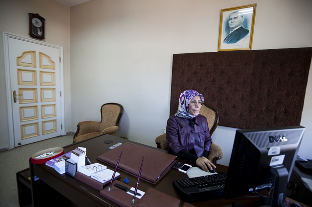 jody-hiltonresized_interview_women_mosque_turkey_11