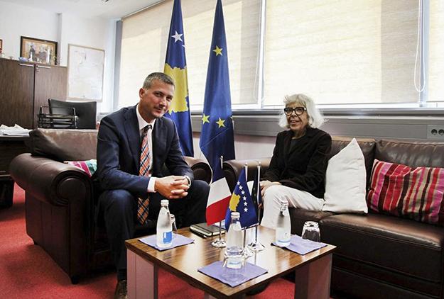 """Ambasadori i Italisë Andreas Ferrarese insistoi se komenti i së dielës nga """"Quinti"""" ku lavdërohet Policia e Kosovës ishte specifikisht në raport me veprimet e tyre gjate protestës së opozitës të së shtunës."""