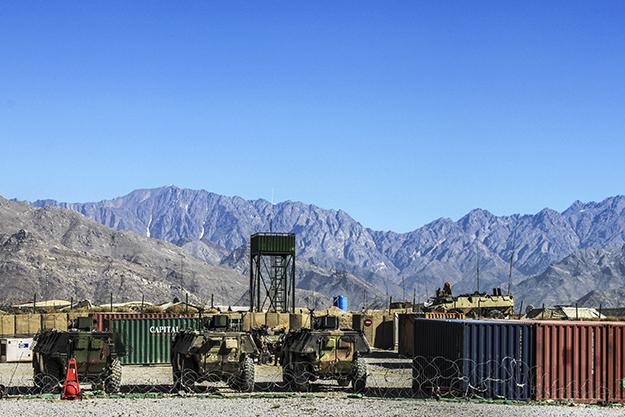 Kushtet në kampet e Afganistanit janë të vështira, me shumë pak mundësi të jetës sociale për punëtorët