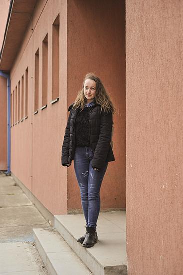 Aurela Tahiri (Podujevë, 18). Foto: Atdhe Mulla / K2.0.