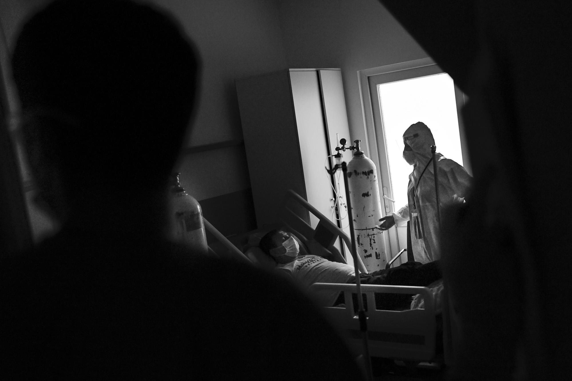 U sobama na Klinici za infektivne bolesti svaki prizor je bolniji od prethodnog.