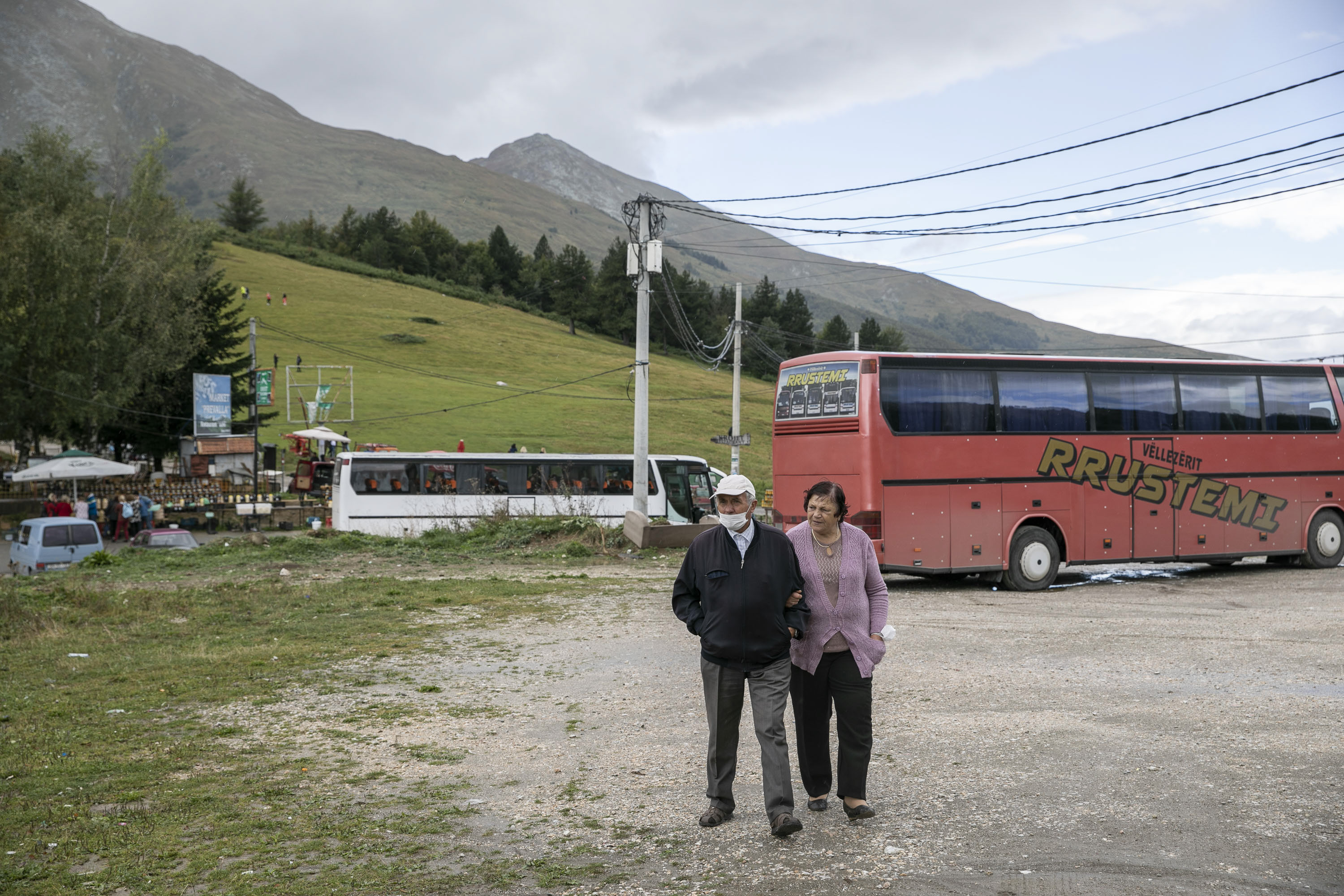 An elderly couple at the Prevalla pass.